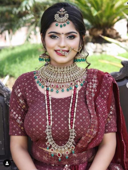 anshi best bridal makeup artist in agra